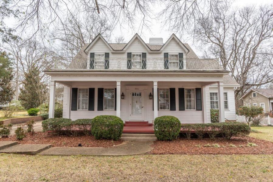 304 Greensboro St, Starkville, MS 39759
