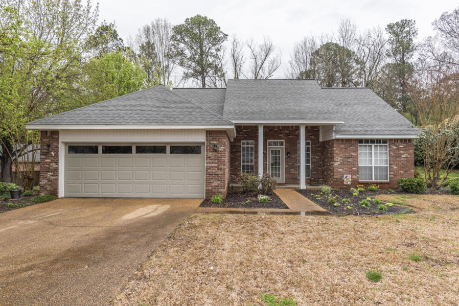 101 Sheffield, Starkville, MS 39759