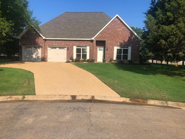 105 Tiger Lily Ln, Starkville, MS 39759