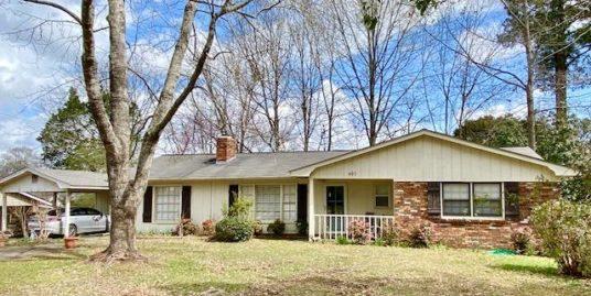 802 Howard Rd, Starkville, MS 39759