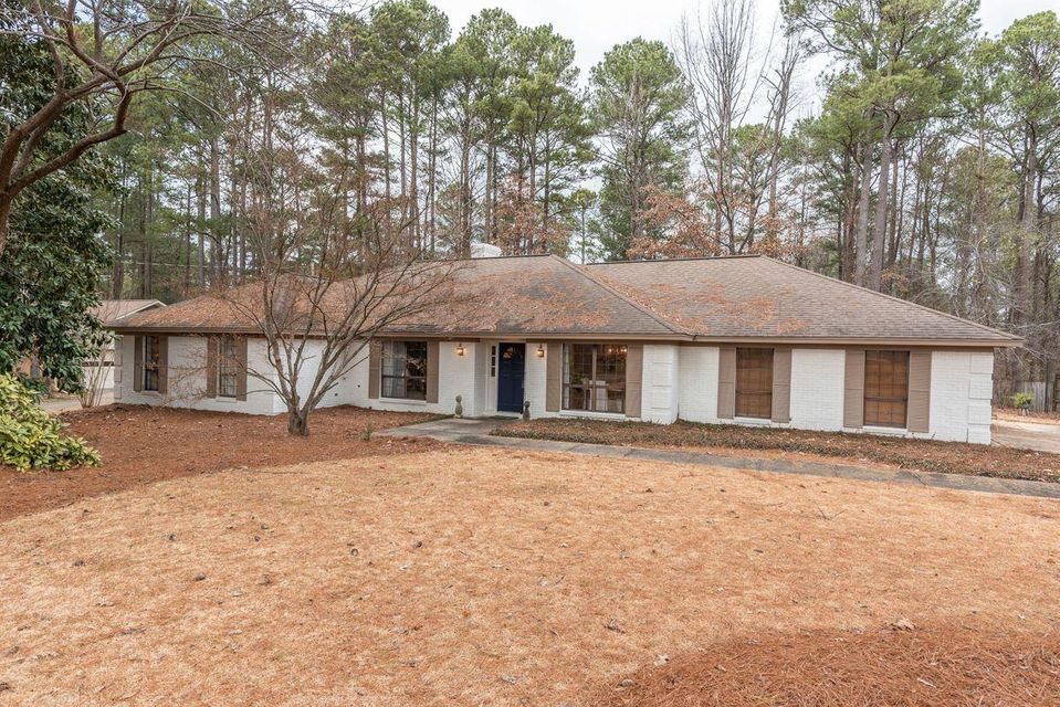 622 Sherwood Rd, Starkville, MS 39759